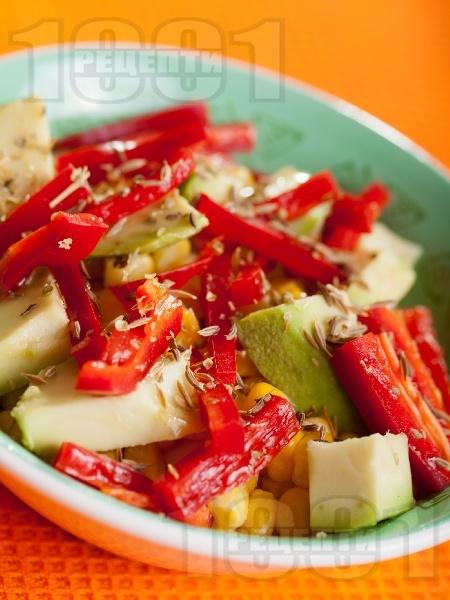Салата с царевица и авокадо - снимка на рецептата